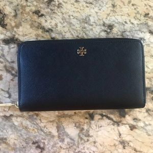 Tory Burch black Emerson wallet